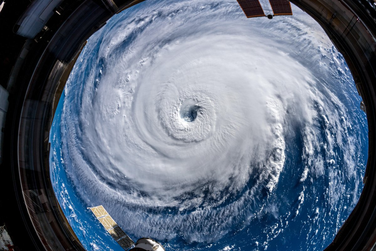 Astronauts Are Taking Hurricane Florence Photos From The ISS, And They're Truly Chilling