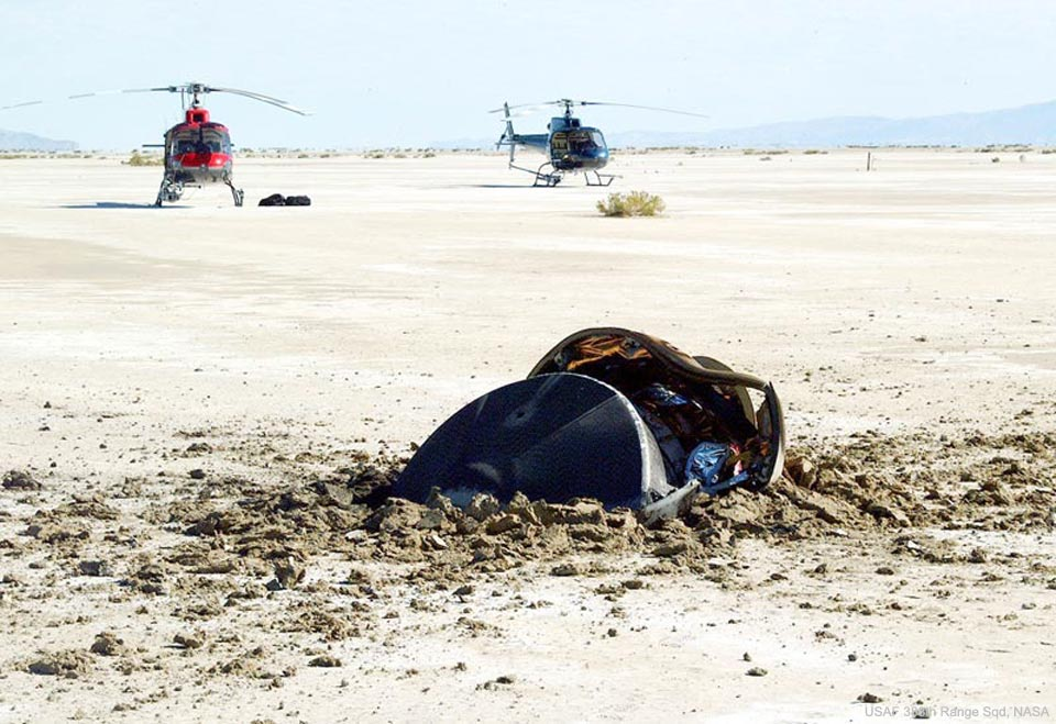 Nasa photo shows 'flying saucer crash site' in desert