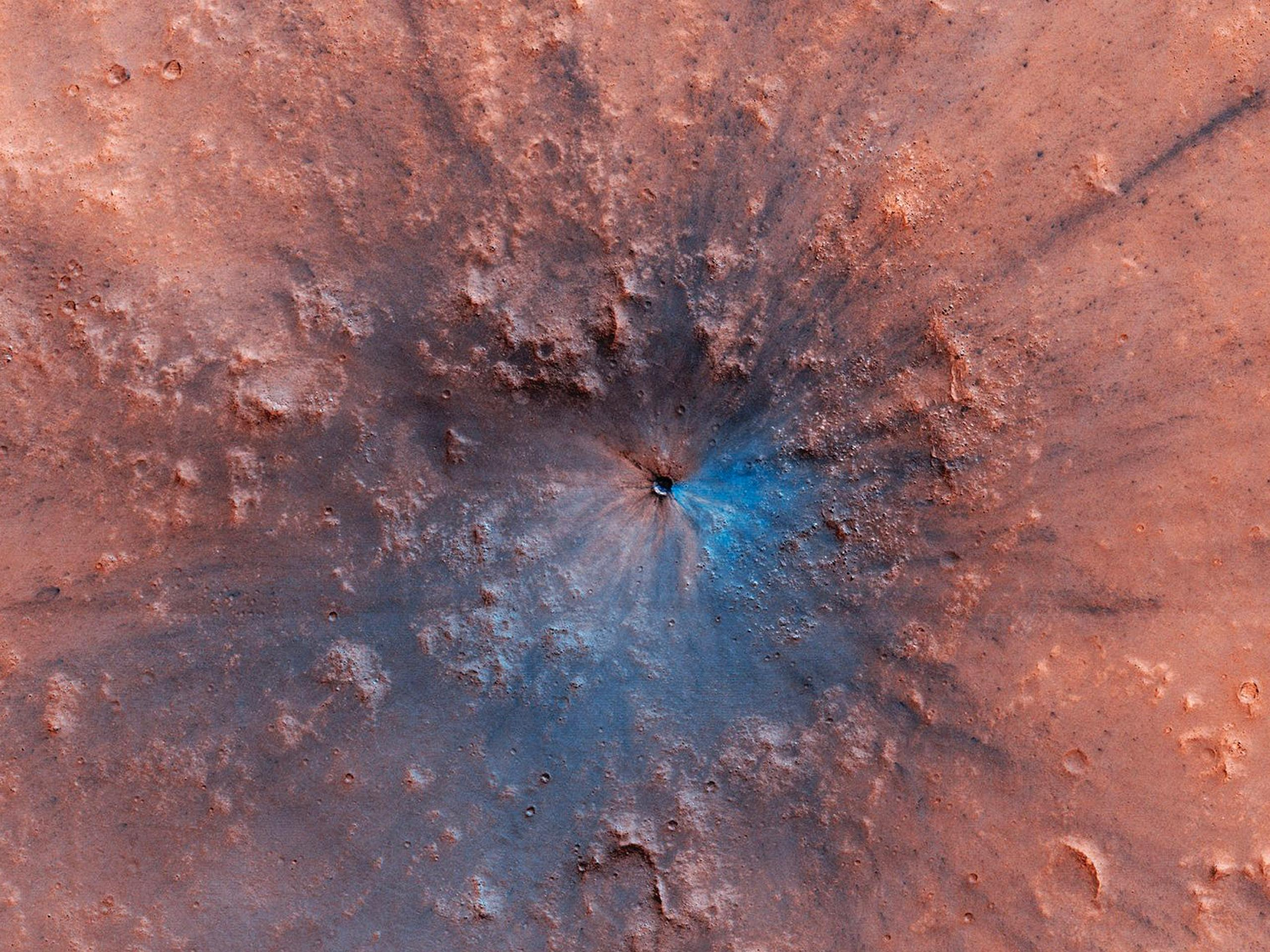 Mars has a brand new crater, and it sure is pretty